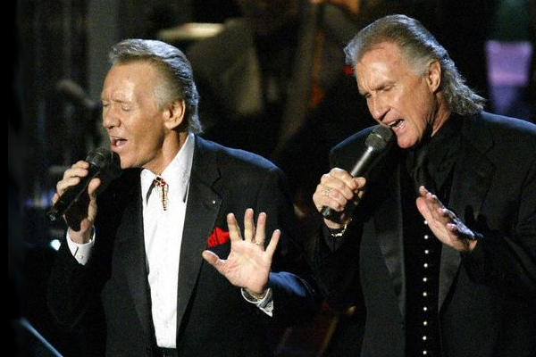 righteous-brothers_later-years_live-in-tuxedos_650x400