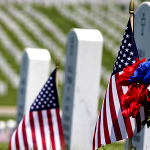 memorial day_graves-flags-flowers_900x450