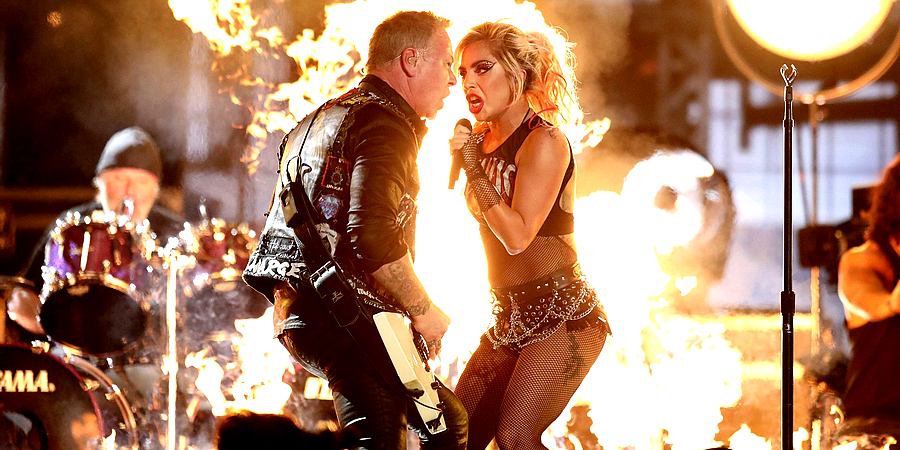 mcstreamy_lady-gaga-joins-metallica-onstage_live-grammy-performance-b_900x450
