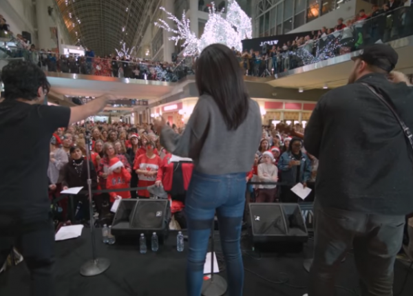 choir-choir-choir_last-christmas__live-video-recording_900x450