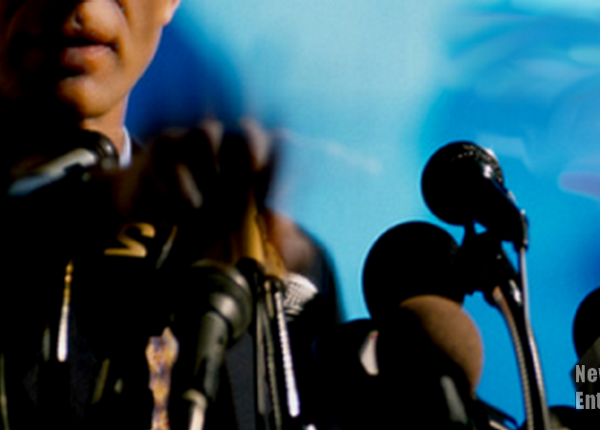 mcstreamy_guy-at-multi-mics_news-conference-stle_mcstreamy-imprint_900x450.png